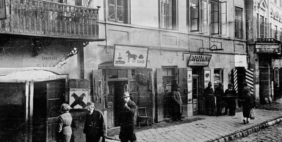1946 r. W piwnicy przy ul. Cyruliczej leżą zwłoki zamordowanego właściciela jadłodajni - donosił ktoś