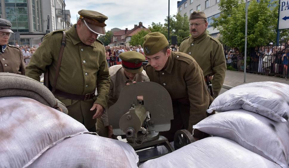Film do artykułu: Bitwa Białostocka 2017. Rekonstrukcja Bitwy Białostockiej z 22 sierpnia 1920 roku na Warszawskiej