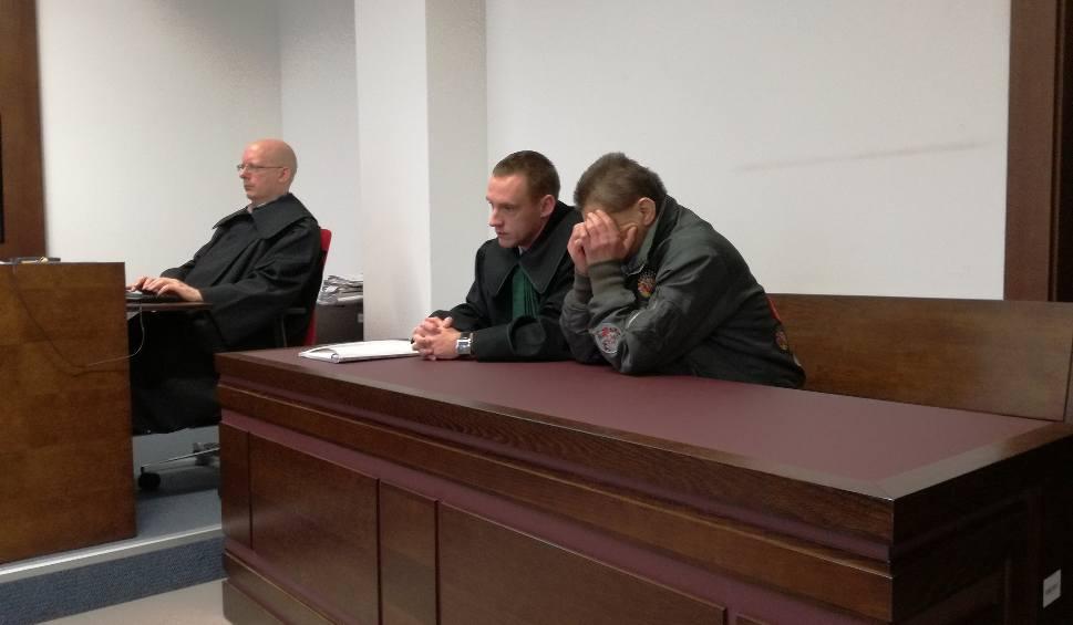 """Film do artykułu: Dariusz W. z Radzynia usłyszał wyrok za uduszenie żony. """"Młócił ją jak snopek żyta"""""""