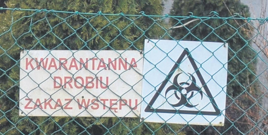 Takie tablice są na fermach drobiu w gminie Deszczno