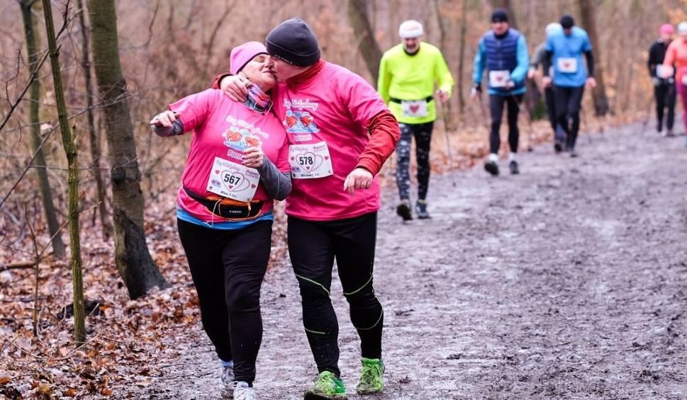 Film do artykułu: Bieg Walentynkowy Poznań 2017: Zakochani (i nie tylko) biegali nad Rusałką [ZDJĘCIA]