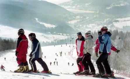 Dzisiaj, mimo dobrych warunków, w Brennej nie działa żaden nowoczesny ośrodek narciarski. Inwestorzy Kotarz Areny chcą to zmienić, właśnie dostali wsparcie