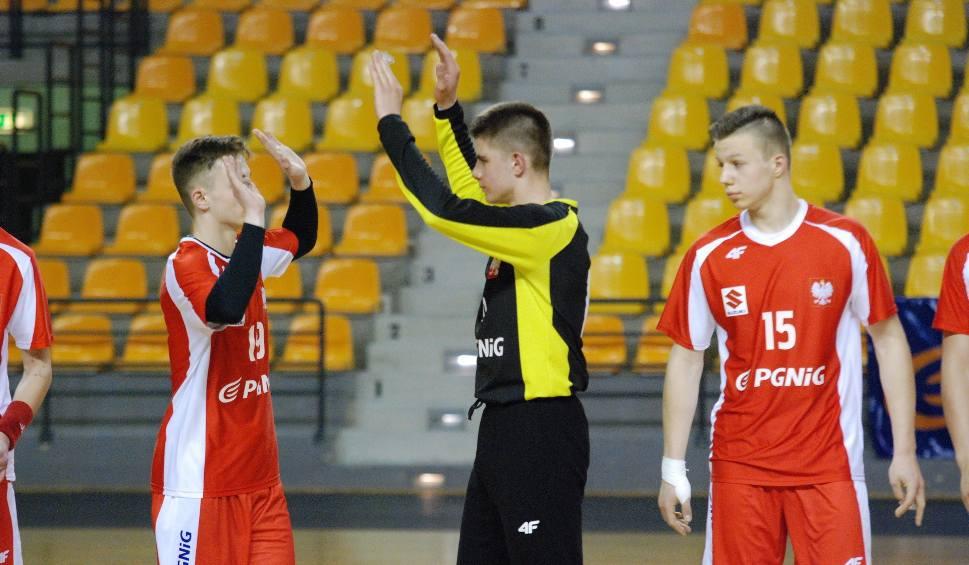 Film do artykułu: Kadra juniorów. Trener z Kielc przesunął zawodnika z Kielc do rezerwy