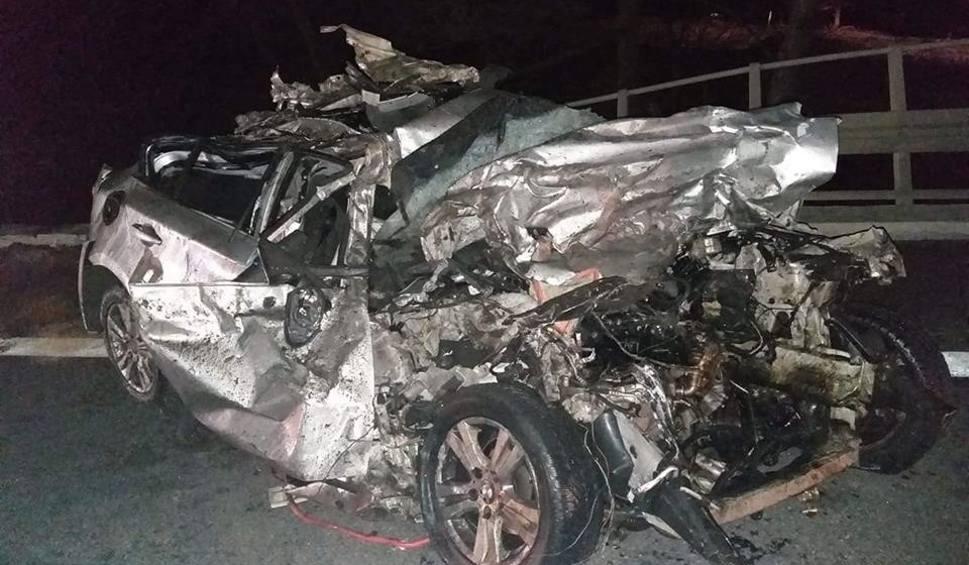 Film do artykułu: Po wypadku w Młynach w powiecie buskim. Karol cudem przeżył zderzenie z tirem. Pilnie potrzebuje krwi!