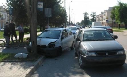 Toyota zatrzymała się na słupie