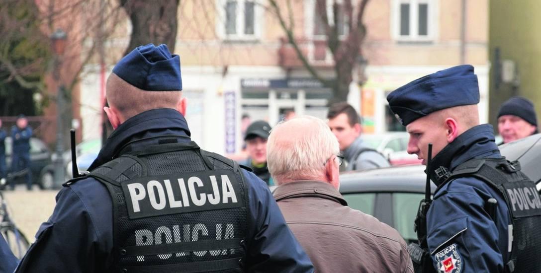 Mężczyznę zatrzymano jeszcze podczas trwania wiecu Andrzeja Dudy