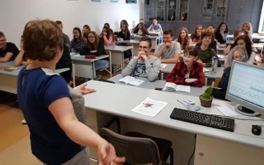 Nauczyciele w Toruniu czekają na podwyżki