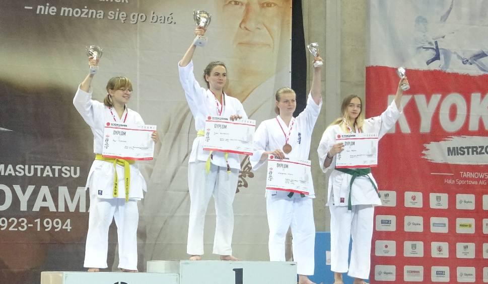 Film do artykułu: Oliwia Małecka z Końskich zdobyła brąz na mistrzostwach Polski w karate