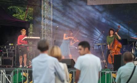 W sobotę (24.08) w Kobylnicy odbył się Festiwal Nowego Folkloru. Muzycznymi gwiazdami tegorocznego Festiwalu byli: Orkiestra GCKiP w Kobylnicy, DagaDana,