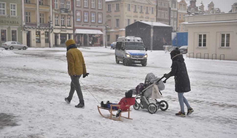 Film do artykułu: Pogoda w Poznaniu i Wielkopolsce: W piątek spodziewajcie się śniegu!