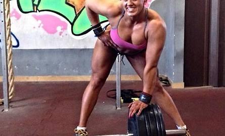 Sylwia Reichel, strongwoman z Cross Gym Grudziądz, podczas treningu w swoim klubie