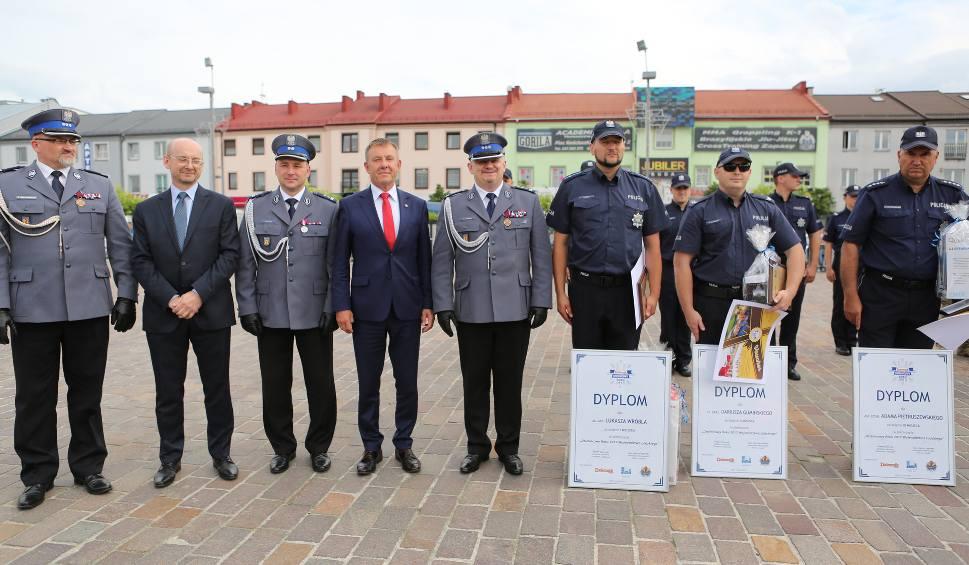 Film do artykułu: Dzielnicowy Roku 2017 w Łódzkiem. Finał na wojewódzkich obchodach Święta Policji [ZDJĘCIA, FILM]