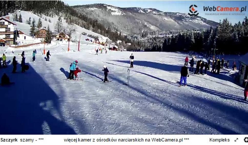 Film do artykułu: Warunki narciarskie w Beskidach: Nadal doskonała pogoda dla narciarzy [ZDJĘCIA Z KAMEREK]