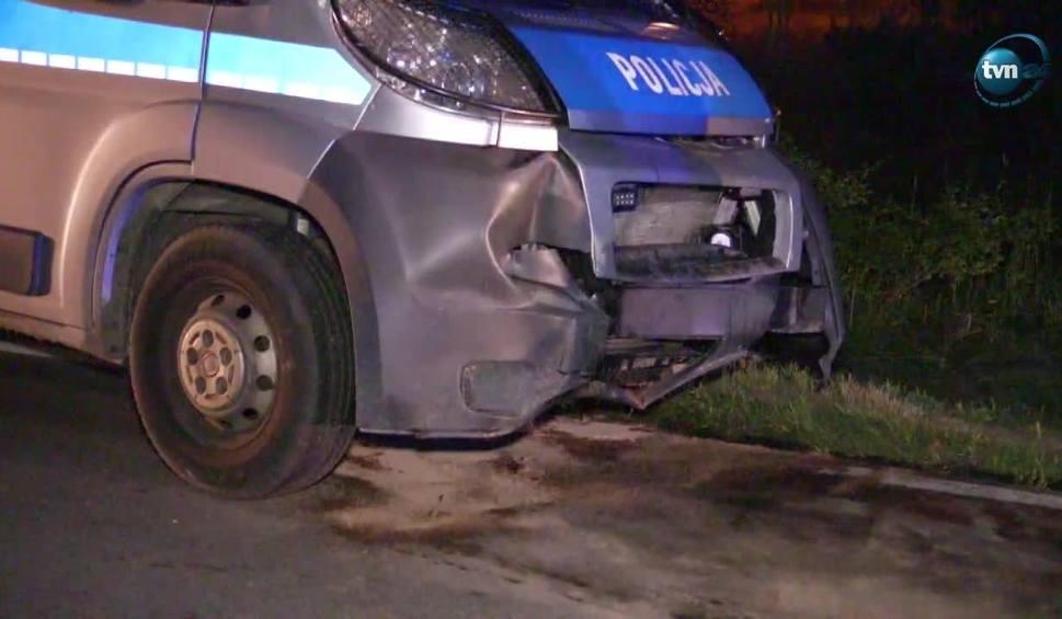 Film do artykułu: Czterech policjantów rannych w wypadku. Tak skończyła się ucieczka pijanego kierowcy przed kontrolą drogową