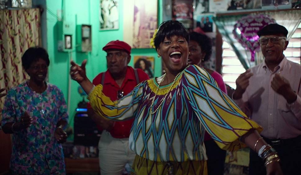 """Film do artykułu: """"Oblicza Muzyki"""" w Elektrowni. Widzowie zobaczą film """"W rytmie Kuby"""""""
