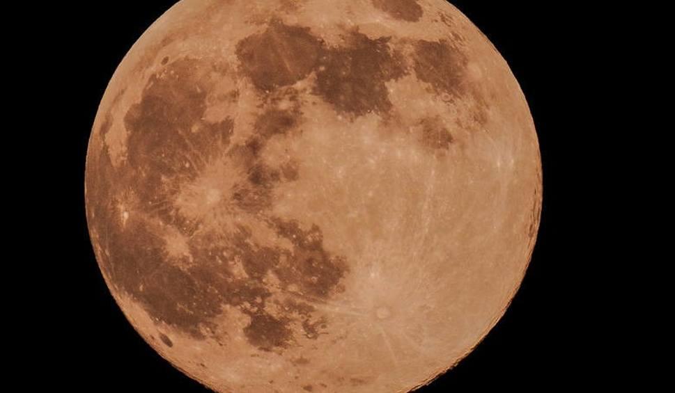 Film do artykułu: Superksiężyc kwiecień 2021. Kiedy wypada Pełnia Różowego Księżyca? To pierwsza superpełnia tej wiosny