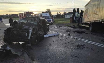 Śmiertelny wypadek w Mroczkowie Gościnnym koło Opoczna. Nie żyje jedna osoba