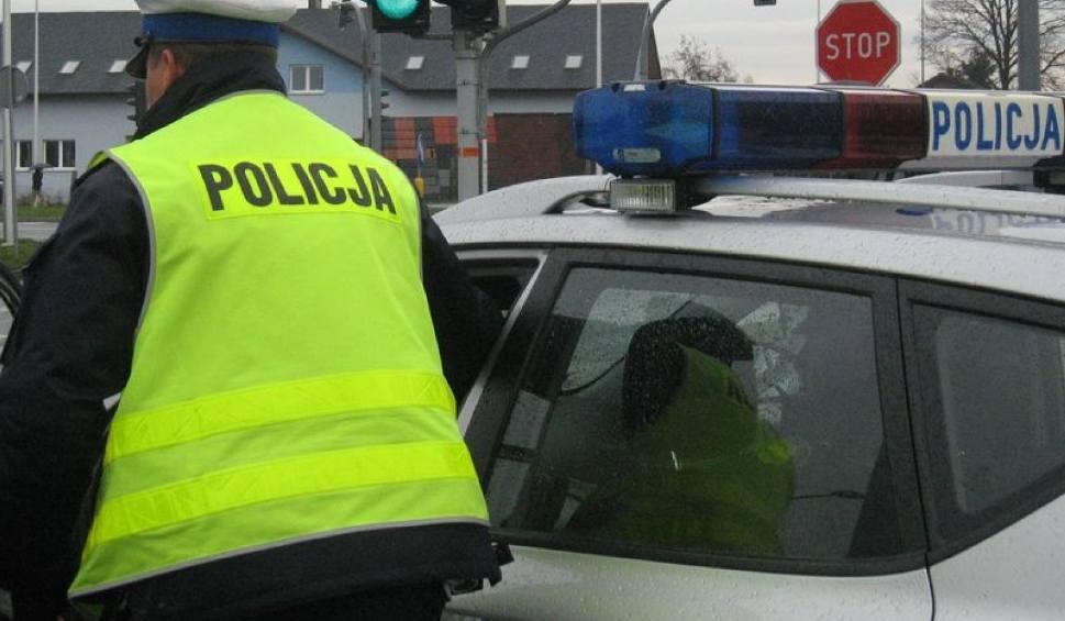 Film do artykułu: Radom. Wypadek na Firleju. Zderzenie dwóch samochodów. Jeden z kierowców pił alkohol