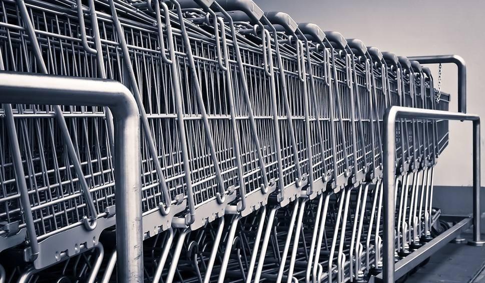 Film do artykułu: Uwaga: niedziela bez handlu. Większość sklepów będzie zamknięta, gdzie 20 maja zrobisz zakupy?