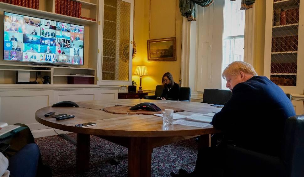 Film do artykułu: Wielka Brytania: Premier Boris Johnson ma koronawirusa, pracuje teraz z domu