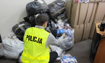 Policja przechwyciła... kilka tysięcy podrobionych skarpet