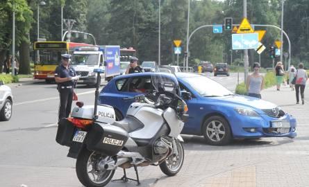 Policjant na motocyklu miał wypadek na Kozanowie