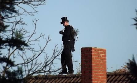 Czyszczone kominy to mniejszy smog. Zaprosiłeś do siebie kominiarza?