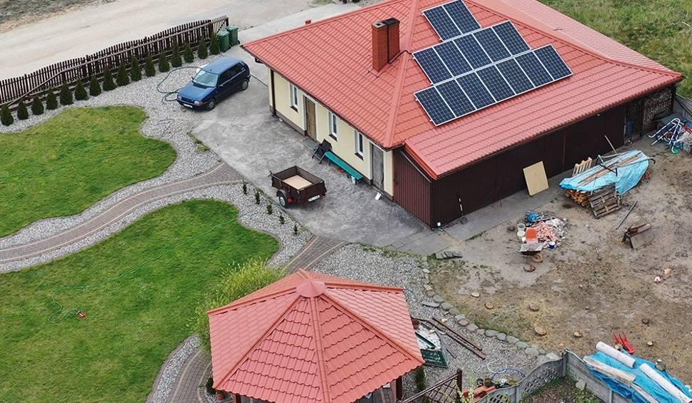Film do artykułu: Fotowoltaika. Czy instalacja paneli słonecznych się opłaca?
