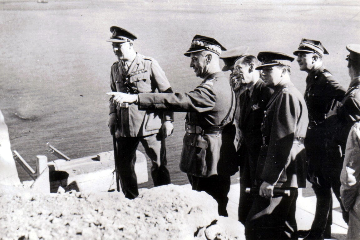 Jedno z ostatnich zdjęć generała Sikorskiego. Gibraltar, lipiec 1943