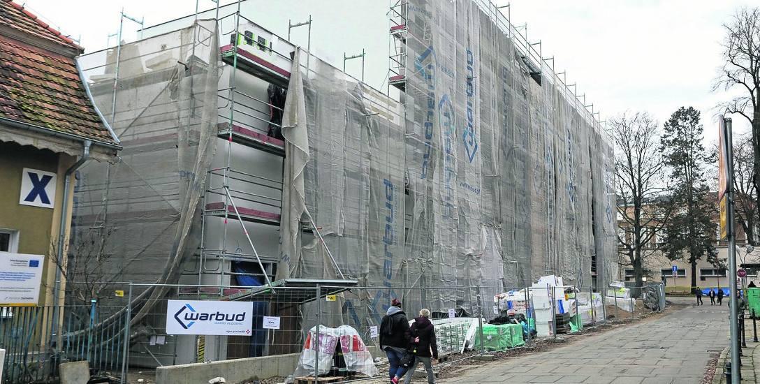 Koniec roku to koniec budowy budynku Oddziału Nefrologii i Transplantacji Nerek i Stacji Dializ przy ul. Arkońskiej