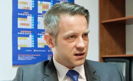 Było po 1  w nocy, gdy w Sejmie wybuchła awantura. Poseł Cimoszewicz próbował wymóc na wicemarszałku reakcję na skandaliczne zachowanie.