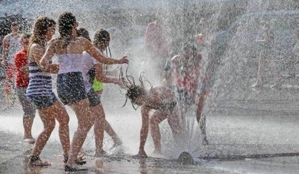 Film do artykułu: Uwaga na deszcz i burze! Ale poopalać się też będzie można. Prognoza pogody na Boże Ciało i długi weekend