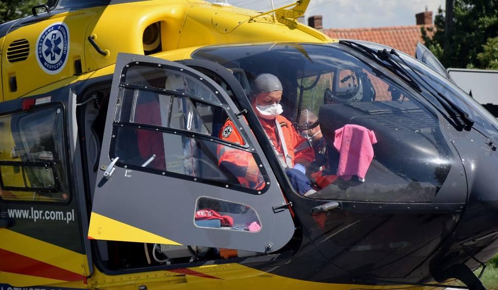Film do artykułu: Wypadek w Królewie 6.07.2020. Kierowca w bardzo ciężkim stanie zabrany śmigłowcem LPR do szpitala w Gdańsku [zdjęcia, wideo]