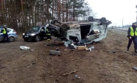 We wtorek na niestrzeżonym przejeździe kolejowym w Rożnowie (powiat obornicki) samochód dostawczy zderzył się z pociągiem relacji Kołobrzeg - Przemy