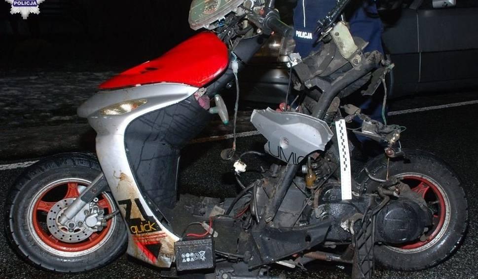 Film do artykułu: Wypadek w Stasinowie. Zginęła motorowerzystka potrącona przez samochód osobowy