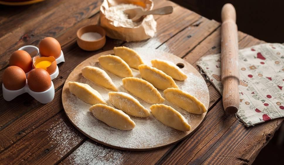 Film do artykułu: Potrawy wigilijne: 12 tradycyjnych dań. Co powinno znaleźć się na świątecznym stole? Przepisy Magdy Gessler i Ewy Wachowicz