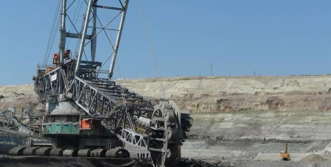 Węgiel brunatny, co do zasady jest trzy razy mniej zasobny w energię pierwotną