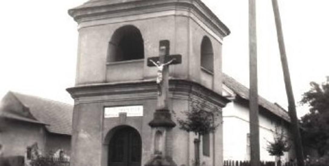 Chłopi z Kłodnicy jako jedni z pierwszych uwolnili się od pańszczyzny. W podzięce Bogu ufundowali tę kaplicę.