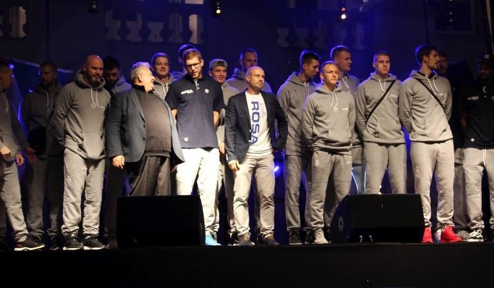 Film do artykułu: Koszykarze Rosy Radom zaprezentowali się kibicom