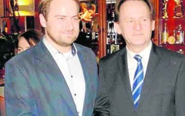 Piotr Wójcik (z lewej) w przedwyborczych szrankach może liczyć nie tylko na poparcie profesora Bernackiego ( z prawej), ale również wicemarszałka Sejmu