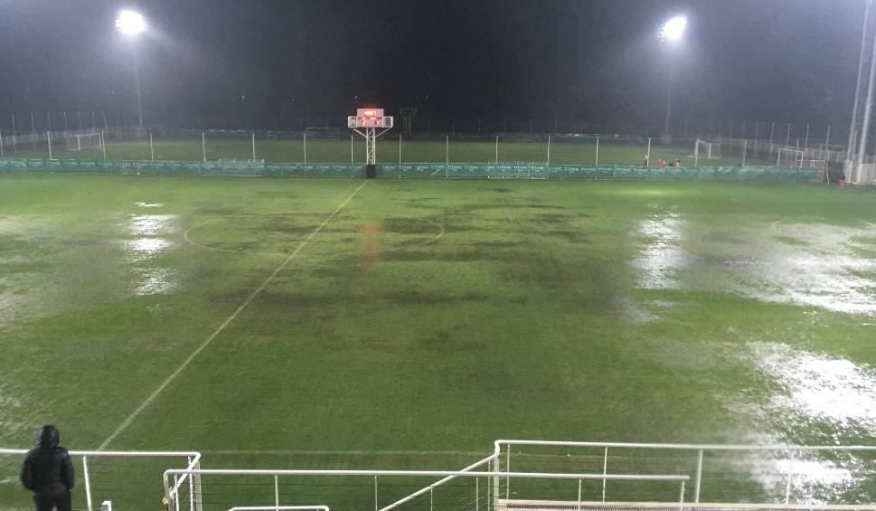 Film do artykułu: Lechia Gdańsk wygrała, ale sparing został przerwany. Ulewny deszcz w Belek pokonał obie drużyny