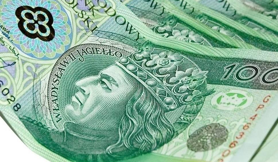 Film do artykułu: Tarnobrzeg. Oszuści znów zaatakowali - 77-letnia kobieta straciła 76 tysięcy złotych!