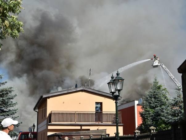 We wtorek rano wybuchł pożar w jednym z budynków w centrum Grodziska Wielkopolskiego. Zginęła w nim jedna osoba, a pięć trafiło do szpitala. Strażacy