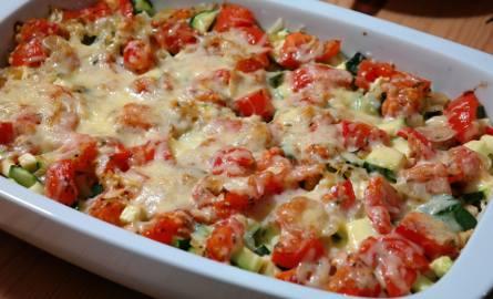 Szukasz pomysłu na danie, które możesz zjeść kilka razy? Zapiekanka ziemniaczana to najlepszy pomysł!