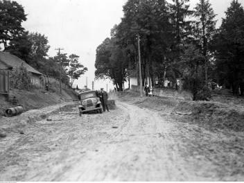 Budowa drogi Kraków - Zakopane robi wrażenie nie tylko dziś, ale także robiła ponad 80 lat temu! Zobacz, jak wyglądały prace w 1935 roku.