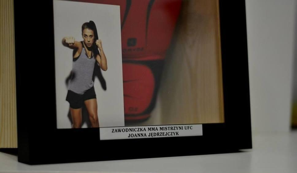 Film do artykułu: Joanna Jędrzejczyk i inne gwiazdy sportów walki pomagają Alanowi z Gorzowa. Możesz wesprzeć go i ty! [ZDJĘCIA]