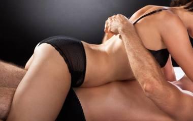 Seks uprawiamy coraz rzadziej, ale pojawia się więcej zdrad