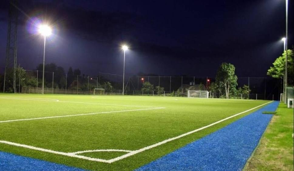 Film do artykułu: W listopadzie starachowiccy piłkarze zagrają na nowoczesnym sztucznym boisku