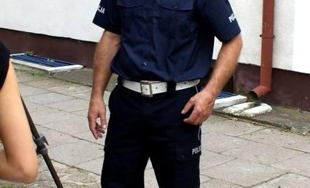 Ostrołęccy policjanci mają już nowe mundury. Zobacz jak w nich wyglądają