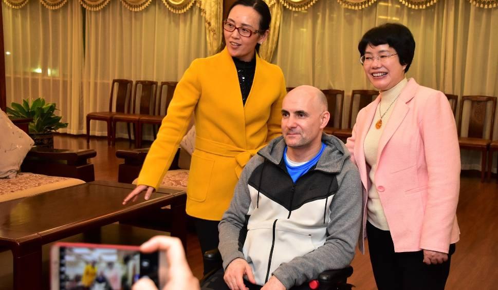 Film do artykułu: Tomasz Gollob walczy z bólem w Nanning w Chinach. Zostanie tam minimum dwa miesiące. Jest szansa na przełom! [zdjęcia]
